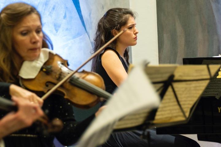 Ekaterina Belisova violin